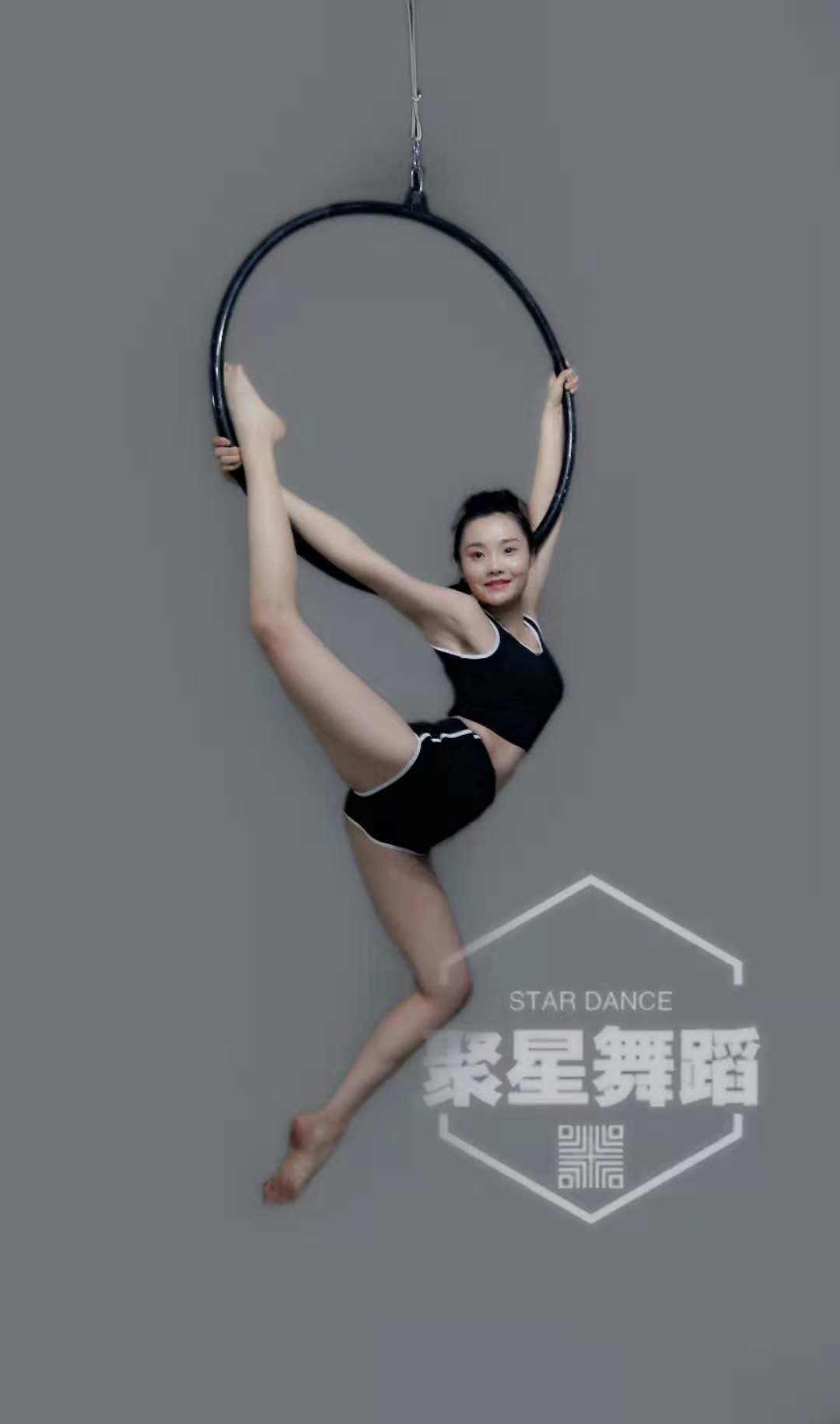 南充学习钢管舞、爵士舞、韩舞成人零基础包就业