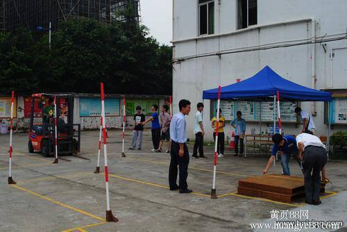 上海南汇叉车证零基础学起,叉车证复审,会开直接考证