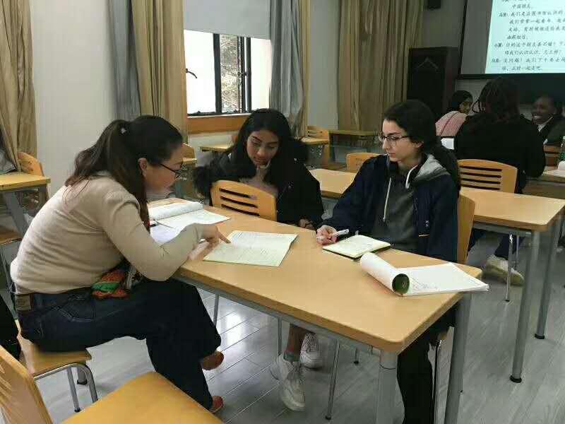 老外学习汉语可以来上海试试早安汉语